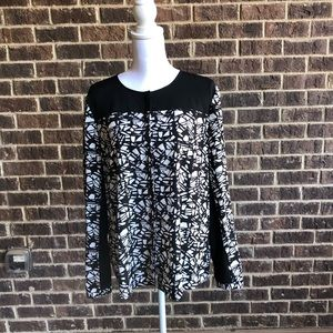 DKNYC Button Down Black and White Blouse Size XL
